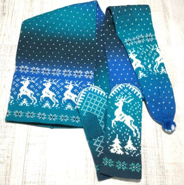 Комплект шапка-шарф и варежки с оленями