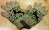 Перчатки вязаные с оленем